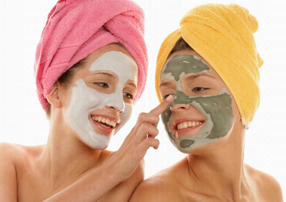 Cilde Sağlıklı Görünüm Kazandıran Pratik Maskeler